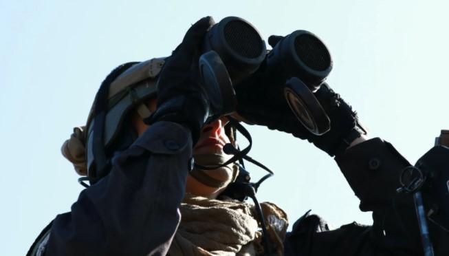 binoculars for long distance